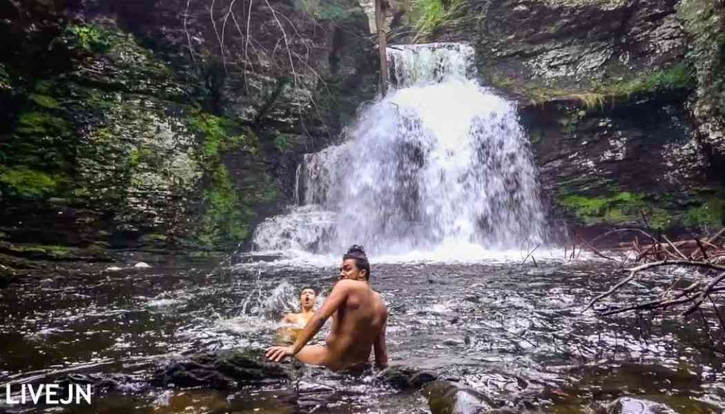 Livejn: Naked under a freezing waterfall